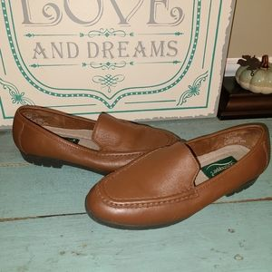 Grasshoppers Sz 7M Brown Leather Loafers